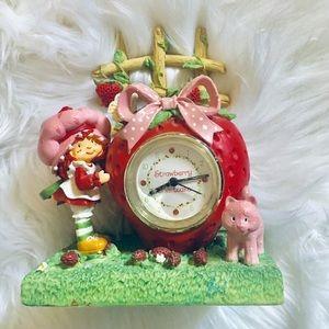 🎄🎁Strawberry Shortcake ceramic clock ⏰  🍓🍓🍓